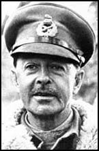 Harold Alexander, the third son of the Earl of Caledon, was born in London on 10th December, 1891. During the First World War Alexander fought on the Western Front. Wounded twice he won the Military Cross in 1915 and by the end of the war was brigadier of the 4th Guards Brigade.