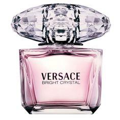 Versace Bright cristal > Uma mistura de sensualidade, da transparência do cristal e do brilho da luminosidade. Versace Bright Crystal é uma jóia preciosa e de rara beleza caracterizada por uma essência fresca, vibrante e floral. Uma fragrância floral, frutal e almiscarado, com notas de yuzu, acordes gelados, romã, peônia, magnólia, flor de lótus, acajou, âmbar vegetal e almíscar.