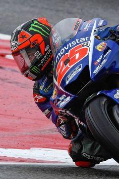 MotoGP ♥ Maverick Viñales, Yamaha M1 Vinales, Yamaha Motorcycles, Cars And Motorcycles, Motogp, F1 Motor, Sport Bikes, Ducati, Grand Prix, Helmet