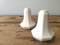 Vintage Johnson Brothers SALT & PEPPER Shakers Heritage White Embossed Border A05221 Made in England by VintageFlicker