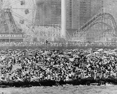 Over one million people jammed Coney Island beach on the lower end of Brooklyn in New York City on July Part of the crowd is shown here on the famous three-and-half mile resort beach. Park In New York, Brooklyn New York, New York City, Coney Island Amusement Park, Amusement Parks, Thing 1, World's Fair, Island Beach, Back In The Day