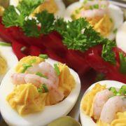 Telor mengisi (gevulde eieren met gekruid gehakt)