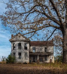 Likes, 89 Comments - John Plashal Abandoned Farm Houses, Old Abandoned Buildings, Abandoned Property, Old Farm Houses, Abandoned Mansions, Old Buildings, Abandoned Places, Creepy Houses, Haunted Places