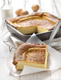 ファーブルトンって聞いたことがありますか?もちもちとした不思議な食感が特徴のフランスのお菓子です。フランス菓子と聞くとなんだか手間がかかり難しそうな印象ですが、実は誰の家にでもあるようなシンプルな材料でお手軽に作れます。お子様の定番おやつとして、急な来客時のおもてなしにもおすすめです。
