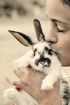 This is totally me every time I see a bunny. Or what I wish I could do every time I see a bunny.
