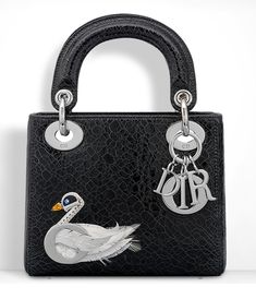 Dior Adds New Blossom Tote, Backpacks to Pre-Fall 2016 Bag Lineup and We Have All the Pics Tote Handbags, Purses And Handbags, Tote Bags, Christian Dior, How To Make Purses, Tote Backpack, Purse Styles, Lady Dior, Fashion Bags