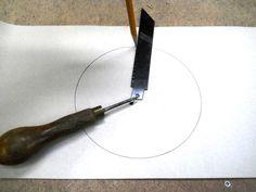 Jigsaw Blade Improvised Compass / Compas improvisé avec une lame de scie sauteuse
