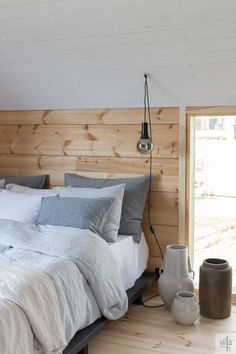 Summer House Interiors, Cabin Interiors, Cottage Design, House Design, Home Interior, Interior Design, Contemporary Cabin, Inside A House, Gold Bedroom