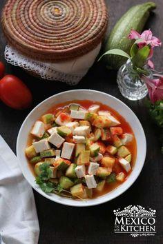 Mexican squash with cheese recipe calabacitas con queso Spicy Recipes, Cheese Recipes, Mexican Food Recipes, Healthy Recipes, Ethnic Recipes, Tart Recipes, Vegetarian Recipes, Vegetable Side Dishes, Vegetable Recipes