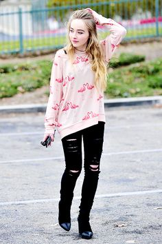 Sabrina Carpenter I love the sweater