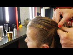 Vlechten & invlechten haar; Tips leren diverse soorten vlechten en voorbeelden om te maken bij kind. Van kort haar, 2 vlechtjes maken, bovenop het hoofd maar ook visgraat, waterval, zijkant, knot, schuine vlecht. Wie Macht Man, Hair And Nails, Girl Hairstyles, American Girl, Bobby Pins, Improve Yourself, About Me Blog, Hair Beauty, Hair Accessories