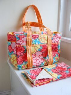 What a lovely nappy bag and accessories. {Inspiration}