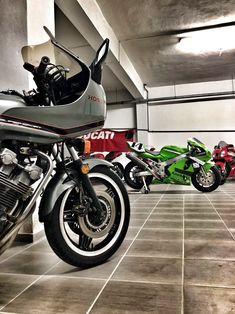 CBX - ZX7R - VTR SP-1 Cars And Motorcycles, Living Room, Link, Sitting Rooms, Living Rooms, Family Room, Lounge, Family Rooms, Guest Room