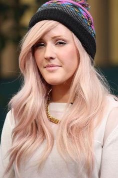 Ellie Goulding's rose-gold dye job is giving us some serious hair envy. #Colorful #Hairstyles