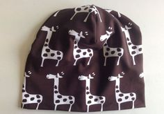 Suomen Kuvalehti How to sew a jersey beanie. Good instructions with pictures. In Finnish. Diy Clothing, Sewing For Kids, Baby Wearing, Baby Hats, Winter Outfits, Upcycle, Beanie, Diy Crafts, Handmade