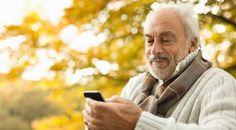 Berencana Menghadiahkan Smartphone untuk Orang Tua Tercinta ? Ini 6 Tips yang Perlu Diperhatikan!