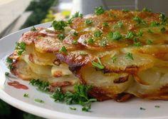 Anna - Un fel de mâncare din care toate degetele lick Potatoes Anna, French Potatoes, How To Cook Potatoes, Armenian Recipes, Russian Recipes, Potato Dishes, Food Dishes, Georgian Food, French Dishes