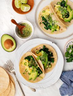 Simple Spicy Green Breakfast Tacos are filled with fresh tomatillo salsa, spinach, avocado, serrano & microgreens. These breakfast tacos are spicy, fun & healthy! Veggie Tacos, Healthy Tacos, Mexican Food Recipes, Vegetarian Recipes, Healthy Recipes, Tortillas, Breakfast Tacos, Vegetarian Breakfast, Meal Plan Grocery List