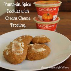 Pumpkin Spice Cookies with Cream Cheese Frosting. Made with Pumpkin Spice Chobani. Apple Desserts, Köstliche Desserts, Healthy Dessert Recipes, Cookie Recipes, Delicious Desserts, Yummy Food, Pumpkin Spice Cookies, Cinnamon Cookies, Cream Cheese Cookies