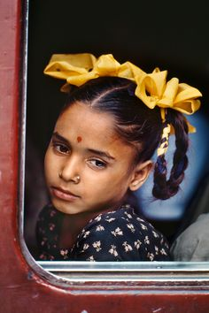 Steve's body of work spans conflicts, vanishing cultures, ancient traditions and contemporary culture alike - yet always retains the human element. Paul Theroux, Steve Mccurry, People Of The World, People Photography, Childhood, Bazaars, Sri Lanka, Blue Green, Faces