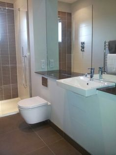 Ensuite Bathroom And Shower bathroom layoutdesign small living room on small ensuite shower