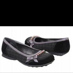 9c2ceecb Jellypop shoes... Mujeres Profesionales, Mujeres Modernas, Zapatos Planos,  Mujeres Bellas