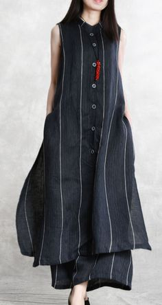 fashion black striped sleeveless top and long wide leg pants Simple Kurti Designs, Stylish Dress Designs, Kurta Designs Women, Dress Neck Designs, Stylish Dresses, Blouse Designs, Fashion Black, Indian Fashion, Casual Cotton Dress