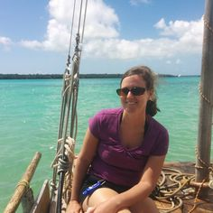 It's time for #MakeWavesMonday! I'm taking part in the #InstaTideChallenge so here are my 5 fun facts:  1. I am a traveler and go on vacation as much as I can and love exploring foreign countries. This picture of me was taken last year on my honeymoon in New Caledonia (think tropical French islands halfway between Australia and Fiji). 2. I love musical theater! I'm not an actress and hate performing but I grew up on all the greats - Sondheim Rogers and Hammerstein etc.  3. My favorite food…