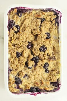 Every good breakfast needs a little something sweet. Pop this blueberry French toast casserole in the oven for an easy alternative to a breakfast classic. Breakfast Toast, Best Breakfast, Breakfast Recipes, Breakfast Ideas, Blueberry French Toast Casserole, Oatmeal Chocolate Chip Cookies, Something Sweet, Whole Food Recipes, 300 Calories