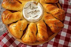 PAINE-PUFOASA-CU-CAMEMBERT-4 Bread, Food, Home, Brot, Essen, Baking, Meals, Breads, Buns