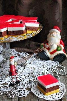 """Nem tipikus Karácsonyi sütemény, de engedve a csábításnak elkészült. A kislányom már hetek óta """"rágta a fülem"""" ez... Christmas Dishes, Hungarian Recipes, Cake Cookies, Sweet Recipes, Birthday Candles, Food To Make, Sweet Treats, Food And Drink, Dessert Recipes"""
