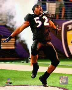 Ray Lewis The BEST to ever play this game! my idol Baltimore Ravens Players, Baltimore Orioles, Nfl Football Teams, Football Stuff, Soccer Jerseys, Orioles Baseball, Ray Lewis, Play Soccer, Sports Pictures