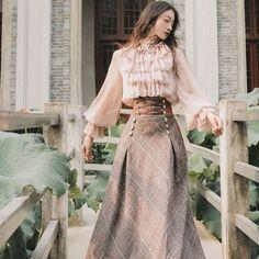 Pretty Outfits, Pretty Dresses, Beautiful Dresses, Old Fashion Dresses, Fashion Outfits, Fashion Tips, Vintage Dresses, Vintage Outfits, Vintage Blouse