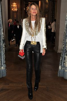Anna Dello Russo at Stella McCartney - Anna Dello Russo is not afraid to take a fashion risk. The Vogue Japan editor looked rocker-chic in a tailored white jacket and sleek black leather pants. Anna Dello Russo, Milan Fashion Weeks, Paris Fashion, Fashion Creator, Style Stealer, Fashion Articles, Italian Fashion, Stella Mccartney, Fashion Forward