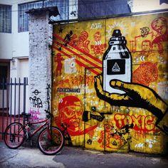 """""""Aerosol. #txcm #toxicomano #toxicomanocallejero #bogotastreetart #graffiti #bogota #sprayart #oscars2016"""""""