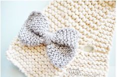 Free Pattern: Knit Bow Scarf for Little Girls · Knitting | CraftGossip.com
