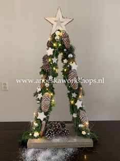 Outdoor Christmas Decorations, Christmas Crafts, Merry Christmas, Holiday Decor, Holidays And Events, Plant Hanger, Rustic, Xmas Trees, Home Decor