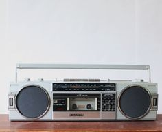 Vintage Sanyo Tape Deck Radio, Vintage Radio, Vintage stereo, Cassette Player, 1980s - pinned by pin4etsy.com