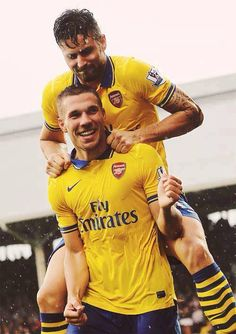 Lukas Podolski (bottom) celebrates his second goal against Fulham with teammate Olivier Giroud. Arsenal Fc, Arsenal Football, Football Drills, Football Soccer, Soccer Stars, Lukas Podolski, Giroud, Top Online Casinos, English Premier League
