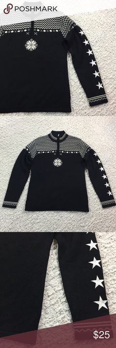 Obermeyer wool blend ski sweater star sleeve L Super cool embroidered star sleeve. Snowflake print on front. 1/4 zip. Gently used. Approximate flat measurements: chest 19in, length 26in. Obermeyer Sweaters