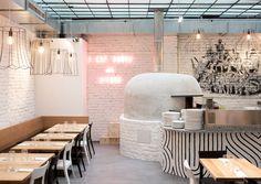 Im Kitch trifft kühles Industrial Design auf klassische, neapolitanische Pizza. Und der spannendste Pizzakoch der Stadt ist auch mit an Bord.