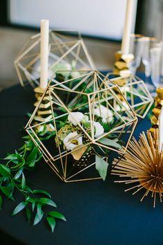 Gold Contemporary Wedding Decor with Floral Arrangement - Photography: Sarah Pudlo Art Deco Wedding Decor, Wedding Art, Wedding Table, Floral Wedding, Wedding Colors, Wedding Decorations, Art Deco Wedding Flowers, Botanical Wedding Theme, Modern Wedding Centerpieces