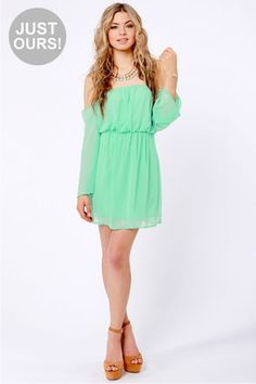 Im in love with this color right now and this dress is so cute!