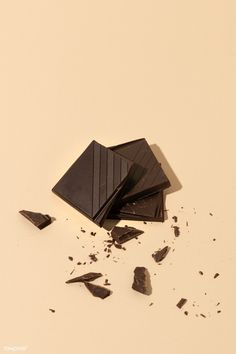 Chocolate Crack, Chocolate Photos, Chocolate Sweets, Chocolate Gifts, Food Flatlay, Chocolates, Fruit Drinks, Amazing Photography, Food Photography