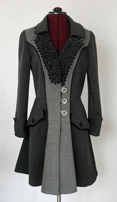 I finally finished the main part of my trench coat yesterday. It has been a bit of a long slog, and a couple of times I almost gave up. Bu...