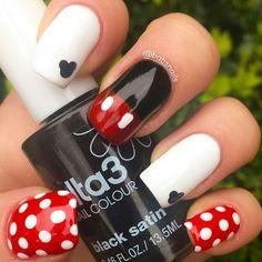 Nail art Mickey Mouse Nails par Brooke (babs) Source by Mickey Mouse Nail Art, Minnie Mouse Nails, Mickey Mouse Nails, Mickey Head, Disney Mickey, Black Nail Designs, Cute Nail Designs, Red Nails, Hair And Nails