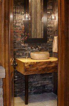 Banheiro Decorado Rústico_Decoração de banheiros,pia de madeira