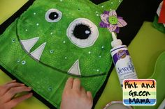 Pink and Green Mama: DIY Halloween Shirts Tutorial With Aleene's Glue! Diy Halloween Shirts, Homemade Halloween, Halloween Crafts, Holiday Crafts, Halloween Ideas, Halloween Wreaths, Halloween Costumes, Sewing For Kids, Diy For Kids