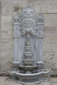 Fountain of Eyüp Mosque, Istanbul, Turkey, Photo: Dick Osseman Diy Garden Fountains, Stone Fountains, House Pillars, Istanbul, Dream Shower, Turkey Photos, Stuck, Belle Villa, Historical Art