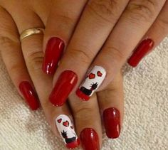Crystal nails are the latest addition in the nail art trends. Such kind of nails look tremendously b Holiday Nail Designs, Red Nail Designs, Creative Nail Designs, Beautiful Nail Designs, Creative Nails, Cat Nail Art, Cat Nails, Garra, Red And White Nails
